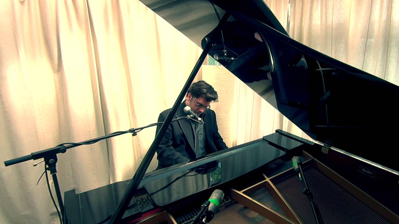 Book a london pianist for hire-49398