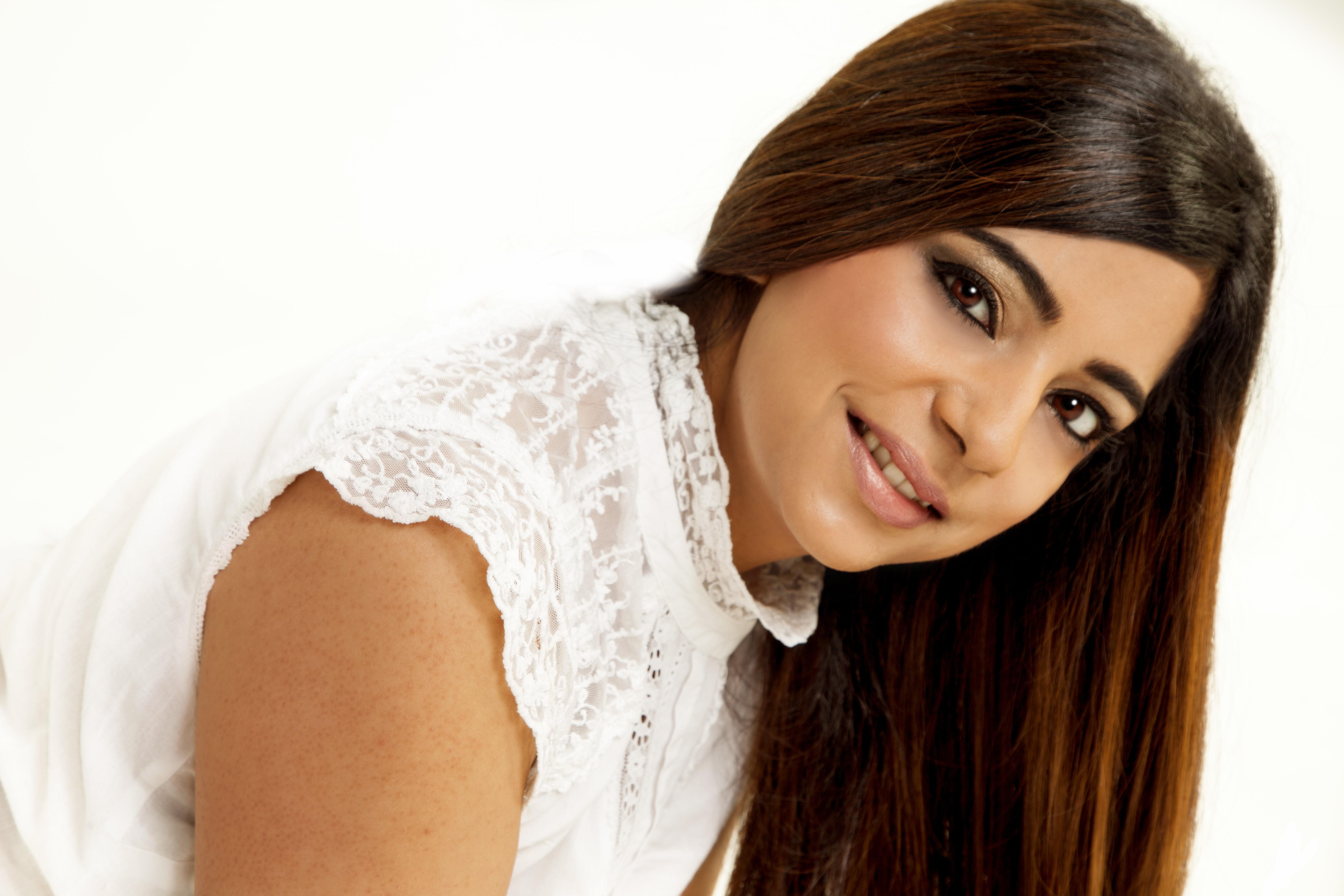 Female Bollywood Singer-43042